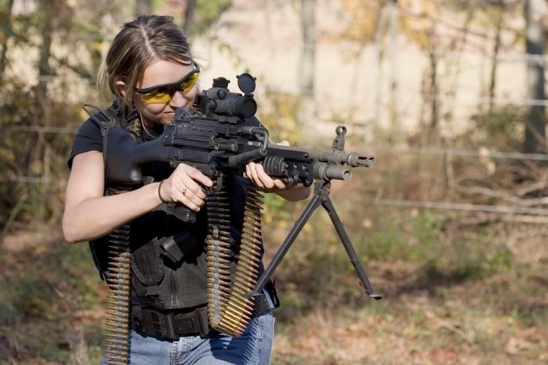 2011 girl machine gun cola warrior challenge_800x533