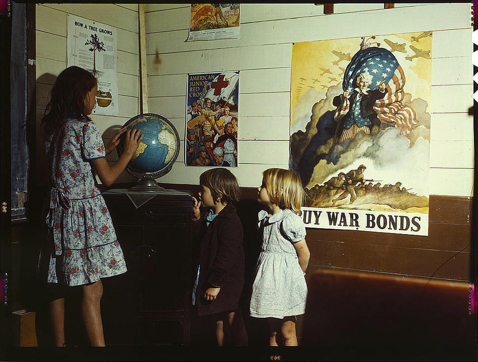 kids at school war bonds